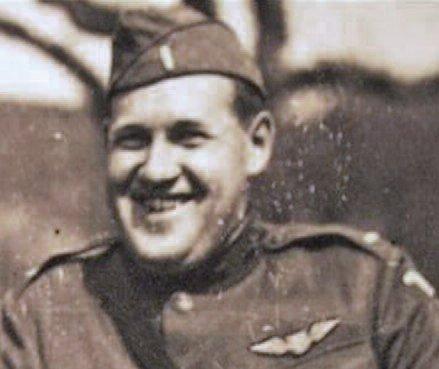 Graičiūnas in his pilot uniform.