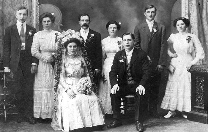 Grandparents' wedding in Chicago. Rozalia Šerytė and Vincent Radziwil, 1910.