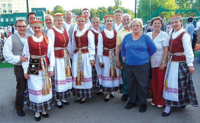 Sambūris, the Motleys and Kristina Vasiliauskaitė's reunion in Vilnius before the evening performance Sodauto.