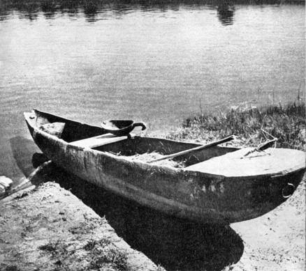 Dugout canoe by Merkinė in Dzūkija