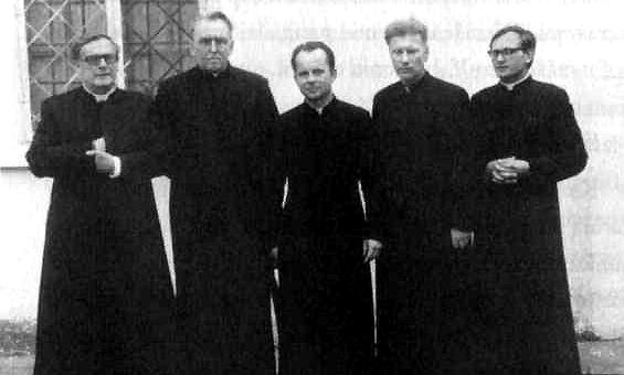 Charter members of the Catholic Committee for the Defense of Believers' Rights (from left), Reverends Vincas Velavičius, Alfonsas Svarinskas, Sigitas Tamkevičius, Juozas Zdebskis and Jonas Kauneckas. Photo: Lithuanian information Center